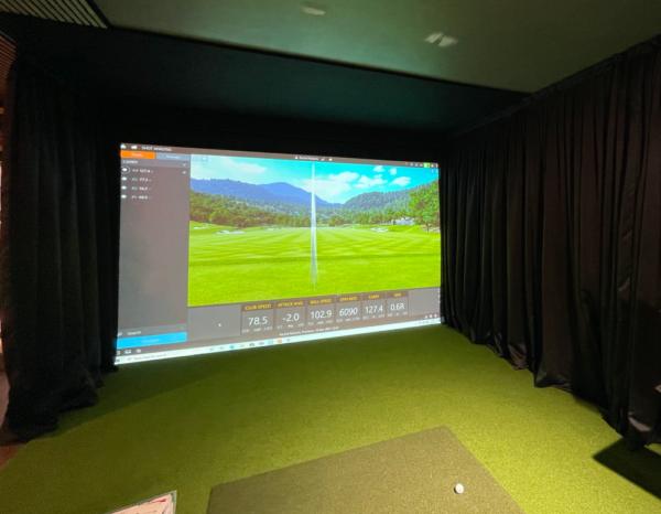Bespoke Trackman 4 golf simulator